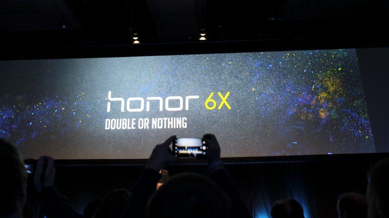 b568d09af62 Honori tegevjuhi sõnul on nende uus telefon ideaalne kaaslane noorele  inimesele, ...