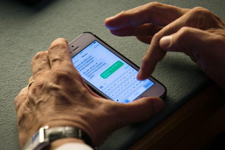 37f72e7ca0f Arvuti- ja telefoni kasutamise turvalisust mõõtev test käsitleb ka  selliseid juhtumeid ja harib kasutajat näiteks ekraani privaatsusfiltri  osas.