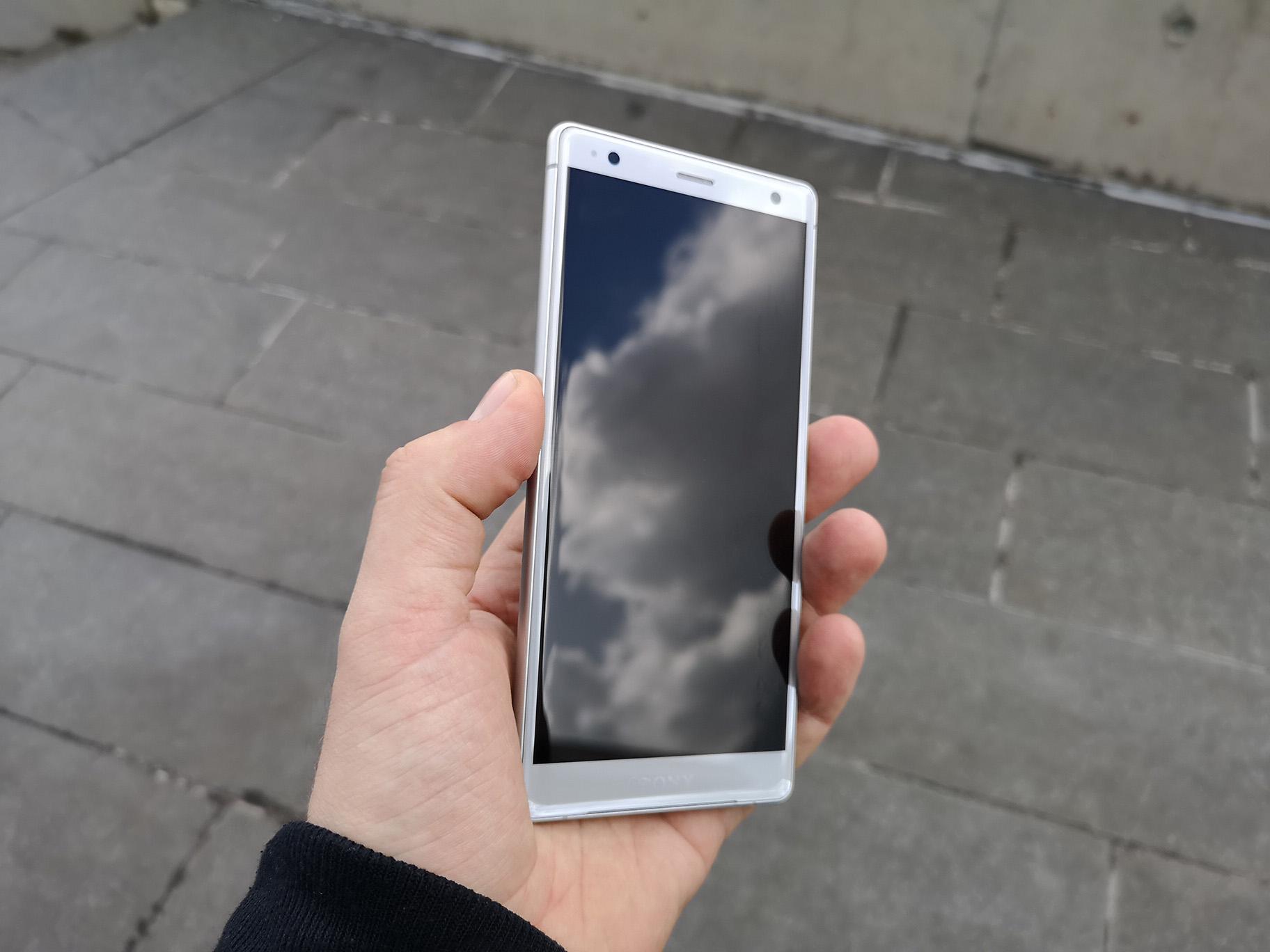 19768d01427 ... seega on hind kukkunud 250 eurot. Apple'i seadmetele omaselt on iPhone  7 aga endiselt vägagi hea telefon, seega selle kasutamisega probleeme  tekkida ei ...