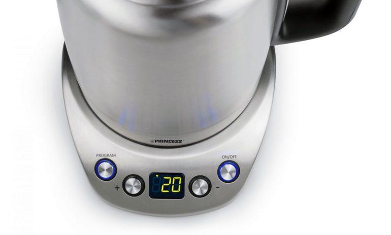 5850d33e201 Digitaalne veekeetja lubab valida, mis temperatuurini soojendatakse ja  näitab jooksvalt, kui kuumaks on vesi ...