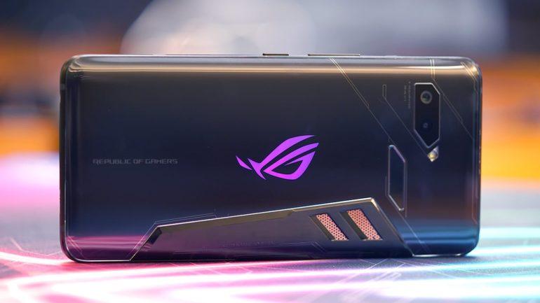669817ac8c1 Kui Asus ROG Phone tuli välja, siis see tõmbas väga palju tähelepanu oma 90  Hz AMOLED ekraani ja julge disaini tõttu. Foto: Back2gaming